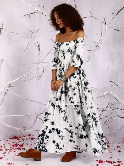 White & Black Tie And Dye Peinted Off-Shoulder Tiered Maxi